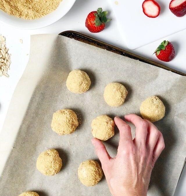 Hangry Helpers - Vegan Cheese Cake Energy Balls